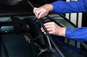 Mounting a new windscreen wiper